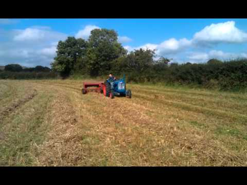 Super Major and Jones baler at work