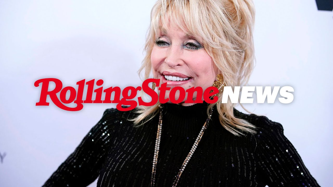 Dolly Parton Gets Her Covid Vaccination and Implores 'Cowards' to Get Theirs | RS News 3/3/21