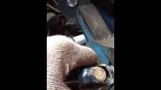видео: Замена крестовины рулевого карданчика Lexus RX 300