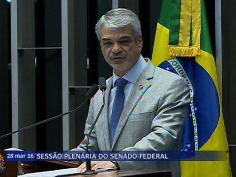 Líder Do Governo, Humberto Costa Chama Brasileiros Para Manifestações Contra Impeachment De Dilma