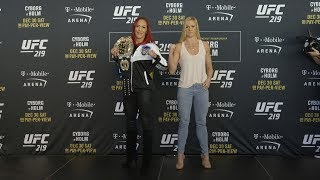 Video UFC 219: Media Day Faceoffs download MP3, 3GP, MP4, WEBM, AVI, FLV Juli 2018