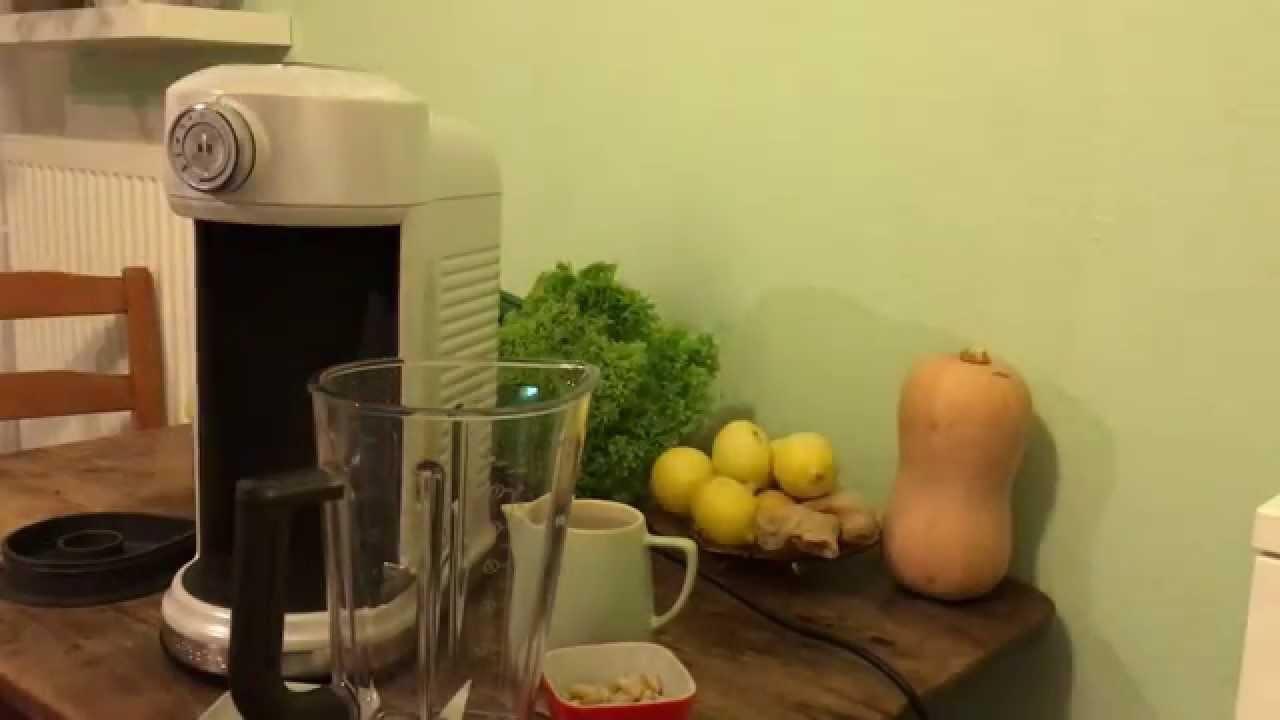 vegane milch mandelmilch selber machen mit dem kitchenaid artisan magnetic drive blender youtube. Black Bedroom Furniture Sets. Home Design Ideas