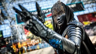 Download lagu Adam Savage Checks Out Lumecluster s New Armor Cosplay MP3