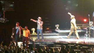 "Bruno Mars ""Locked Out Of Heaven"" Live from Tampa Bay Times Forum 8-28-2013"
