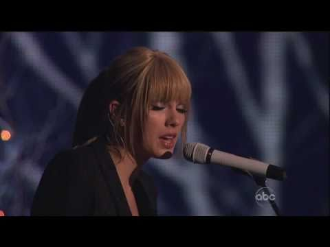 [HD] Taylor Swift - Back To December (AMA 2010)