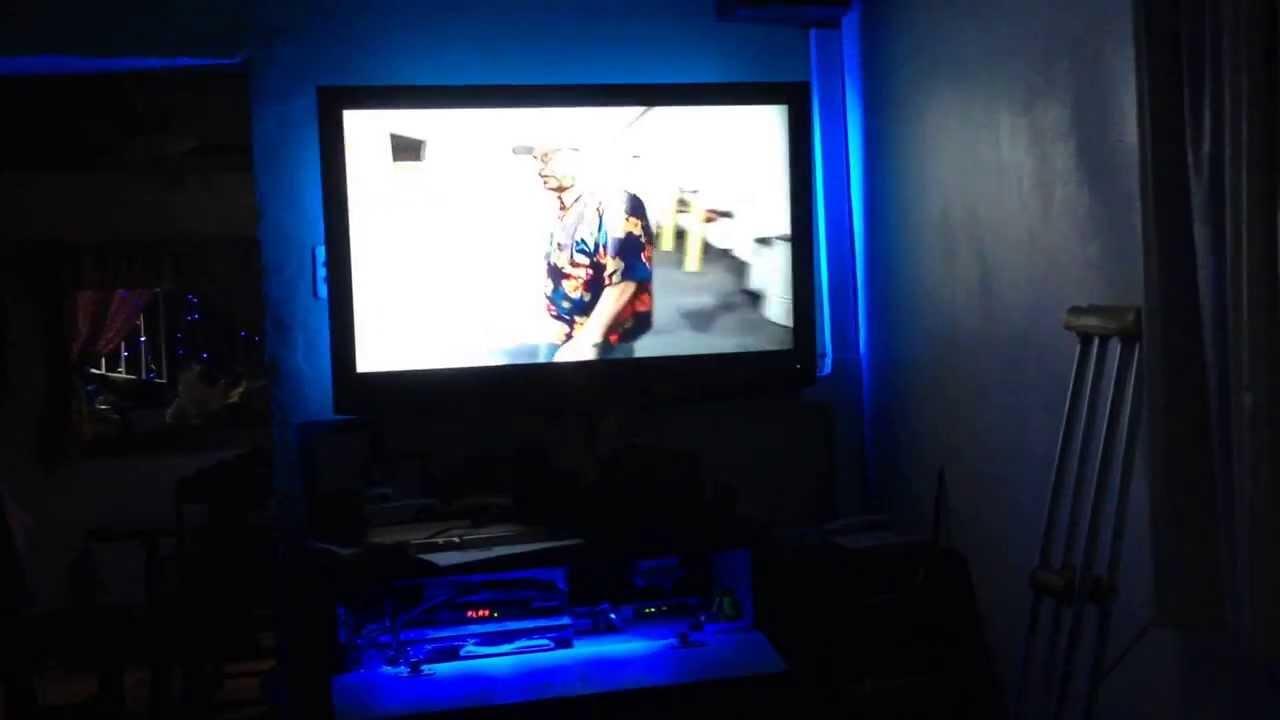 Rgb led strip behind tv cinta rgb led detras de tv y en for Tiras led para tv