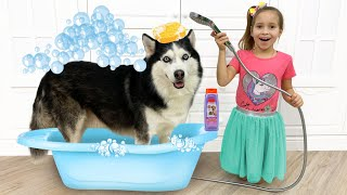 Sofia bathe and dress up her dog, Funny story for kids