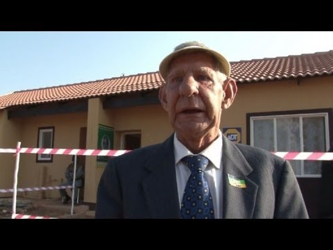 Casas a pobres en Día de Mandela