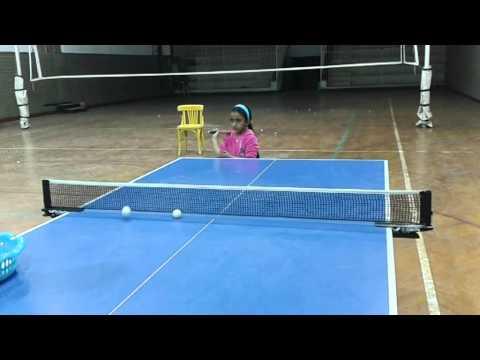 اصغر لاعبة تنس طاوله  5 سنوات ونصف رحمه نصر الدين thumbnail