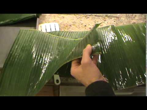 How To Wrap A Fish In Banana Leaves