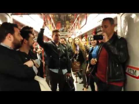 """Libiamo ne' lieti calici"" (Traviata) - Flashmob (Metropolitana di Milano)"