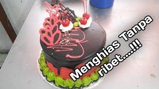 Download Video Cara menghias kue ULTAH cokelat siram - black forest cokelat ganache MP3 3GP MP4
