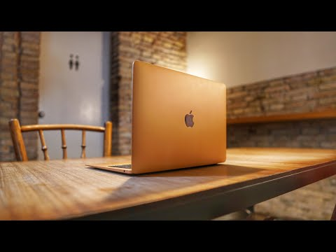 MacBook Air 2018 Review: DON'T be FOOLED