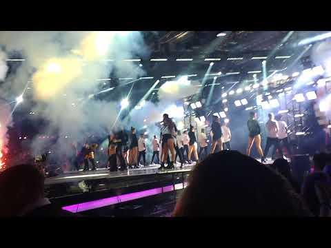 CNCO & Little Mix - Reggaeton Lento Remix live at the Xfactor finals 2017