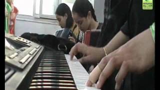أطفال مصراتة يبدعون في مراسمهم تحت أنغام الحرية