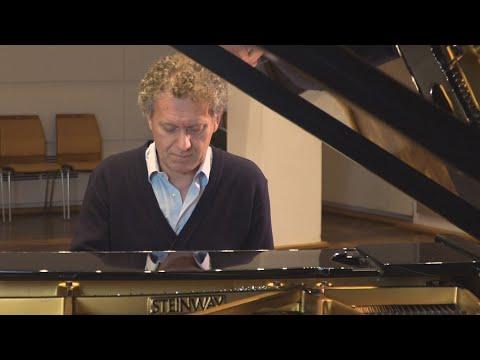 Andrea Lucchesini   Schubert: Late Piano Works Vol. 3, Piano Sonatas No. 19 & 18