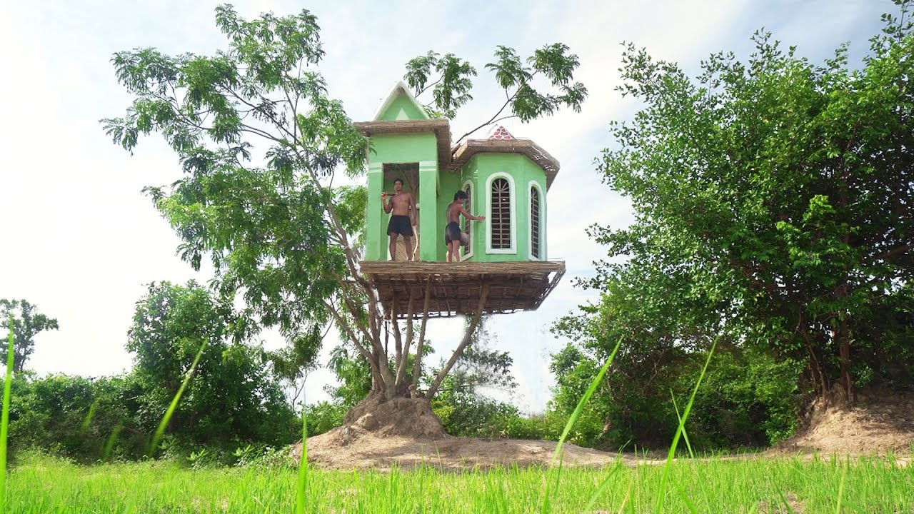 Build Amazing Beautiful Tree House Villa Using Mud by Ancient Skills
