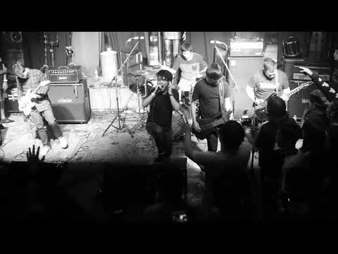 Say Goodbye (I Killed The Prom Queen) - Break The Kids live at Parking Toys (Metal Core Party)