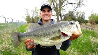 catching giant bass on jigs spring bass fishing