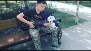 Испанская мелодия,музыка на гитаре красиво,жесть,пацан,мужик,в парке,военный,разбор,аккорды,урок