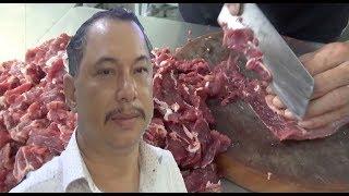 Chủ quán phở biểu diễn cắt thịt bò, hành tây, ít ai sánh được - Guufood