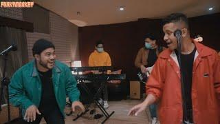 Hebat , Khayalan , Tanda - Tanda ( Medley ) - Cover By Funky Monkey