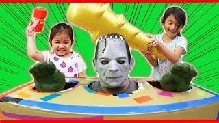 ●普段遊び●パパモンスター叩き!!ダンボール工作☆まーちゃん【5歳】おーちゃん【3歳】Papa monster hit! ! Cardboard work thumbnail