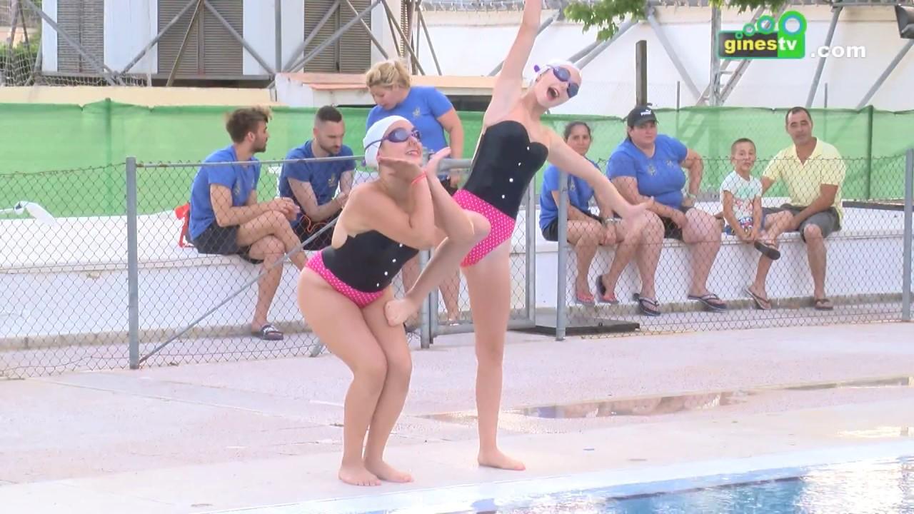 Más de 200 personas participaron en las '12 Horas de Natación' celebradas en la Piscina Municipal