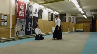 hanmi handachi ryotedori shihonage omote [TUTORIAL] Aikido empty hand basic technique