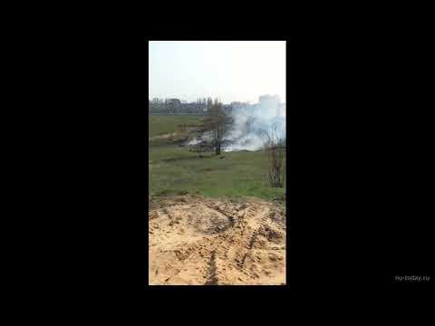 В Новой Усмани горит овраг