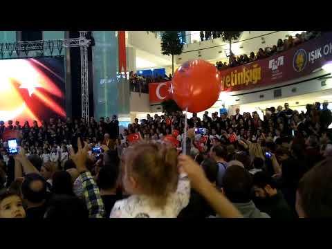 FMV Işık Okulları 10. Yıl Marşı 2017 Cumhuriyet Bayramı @ İstinye Park