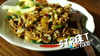 STREET FOOD INDONESIA FRIED NOODLES /MIE GORENG