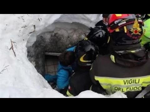At Least 10 Found Alive in Italy Avalanche