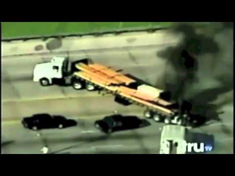 Epic 18 wheeler and police car chase