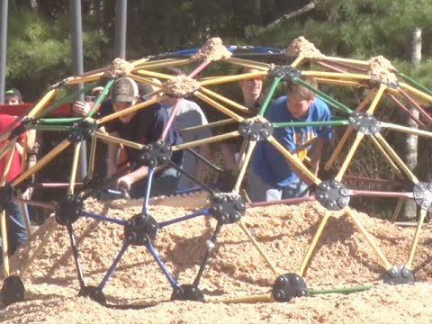 Community Spotlight: Pequot Lakes High School Students Participate in a Community Build