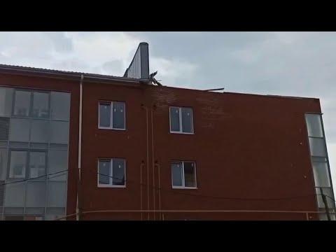В Белгородской области устраняют последствия мощного урагана.