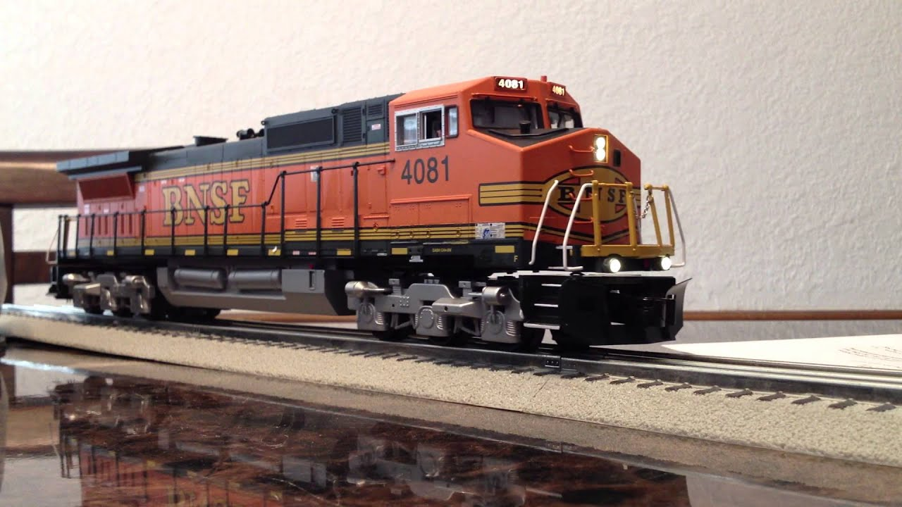 PRICE REDUCTION LIONEL BNSF DASH 9RS | O Gauge Railroading On Line ...
