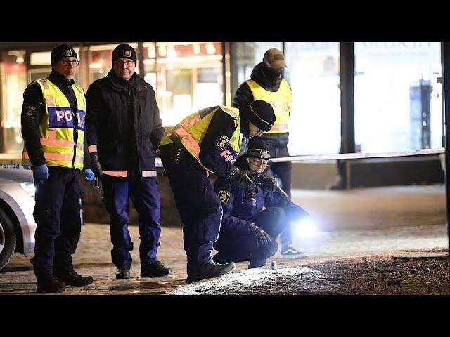 <span class='as_h2'><a href='https://webtv.eklogika.gr/soyidia-okto-traymaties-se-epithesi-me-machairi' target='_blank' title='Σουηδία: Οκτώ τραυματίες σε επίθεση με μαχαίρι'>Σουηδία: Οκτώ τραυματίες σε επίθεση με μαχαίρι</a></span>