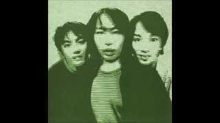 1stシングル「ご機嫌いかが? ⁄ 街へ出ようよ」 (1995) 街へ出よう 角の...
