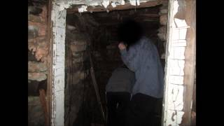 Exploring The Old Cellar!