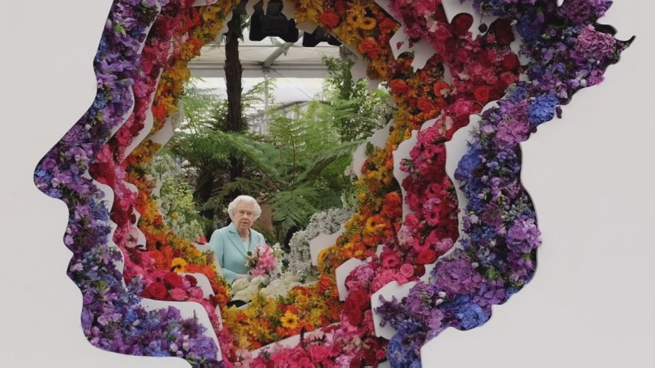 Royal Family Visits Poppy Display At Chelsea Flower Show