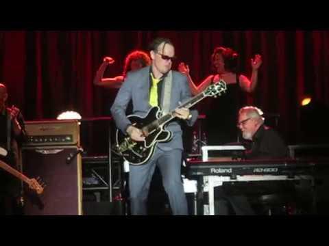 Joe Bonamassa - Pretending [Eric Clapton Cover]