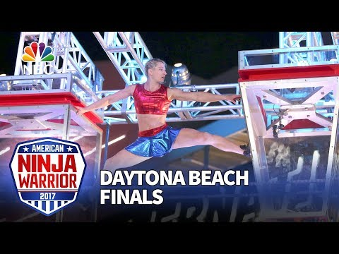 Jessie Graff at the Daytona Beach Finals - American Ninja Warrior 2017