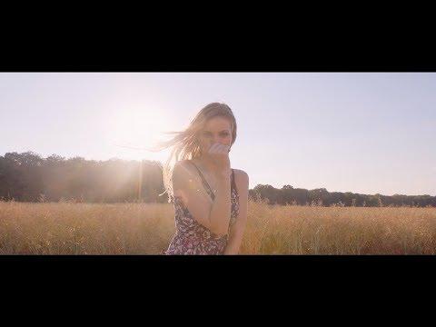 Je me souviens de tout - SARA'H feat. ANNALISA ( Clip Officiel )