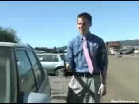 News Reporter Can't Break Into Car FAIL!