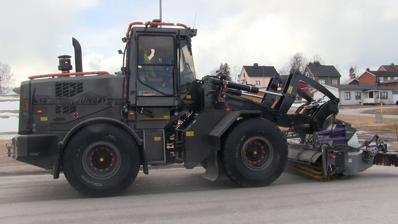Ljungby L13 | Sweeping with Holms PH - 300