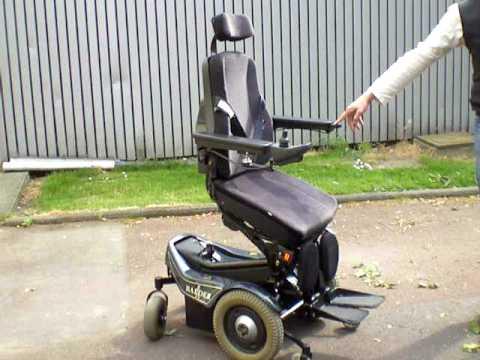 Fauteuil roulant lectrique verticalisateur finesse youtube - Fauteuil roulant chenille ...