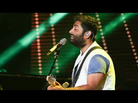 Rang De Tu Mohe Gerua ❤ Arijit Singh - Awesome Live... Performance HD