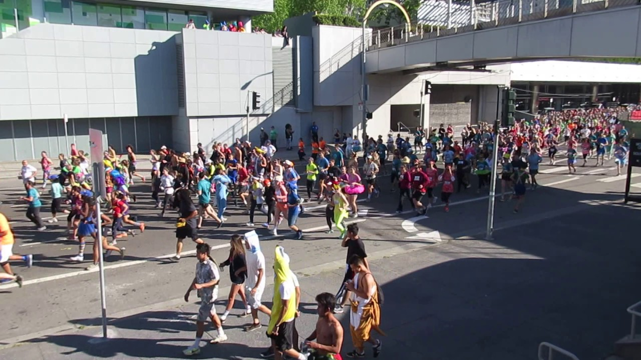 Bay to Breakers 2015 - YouTube