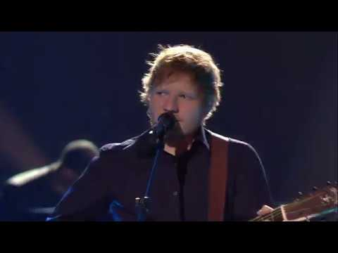 Ed Sheeran - Castle on the Hill | Live @...